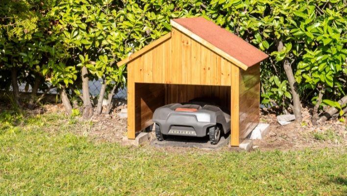 Hus & Garage till Robotgräsklippare - [Köpguide & Bäst i Test]